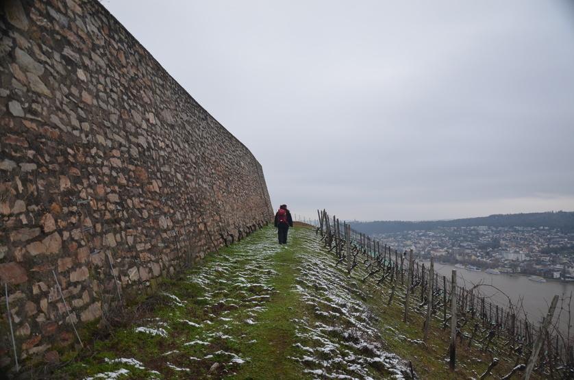 Frau Wanderschnuck abseits der Wege